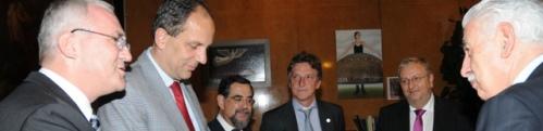 Unter den Gästen Nationalratsabgeordnete von SPÖ (rechts Christoph Matznetter) und FPÖ )Johannes Hübner, 2. von links).